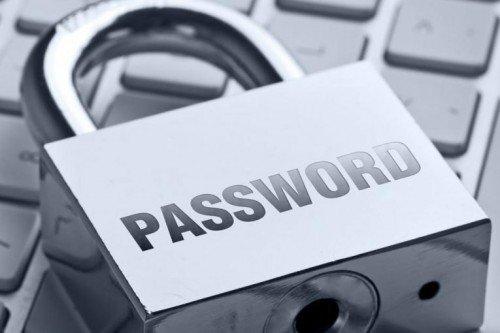 Навесной замок с надписью password