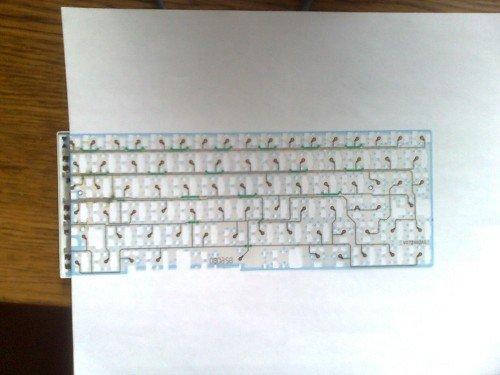 Склеенные пленки клавиатуры ноутбука