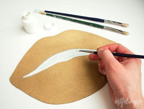 Изготовление коврика в форме губ своими руками