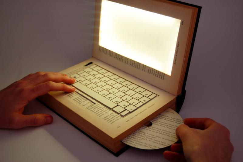 Миниатюра: ноутбук, сделанный из книги