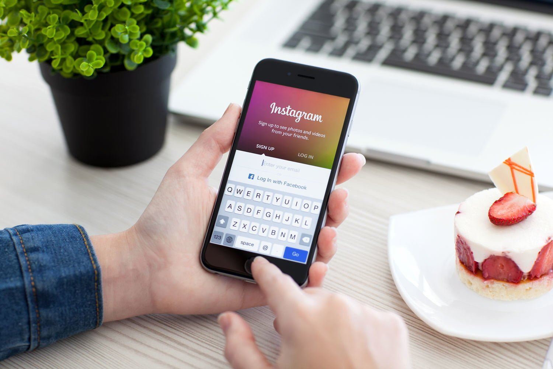 Приложение Инстаграм на смартфоне
