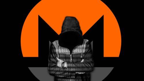 Зловещий хакер с логотипом Monero на фоне