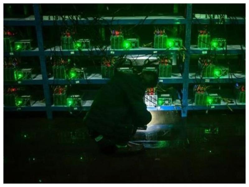 600 компьютеров для майнинга биткоинов