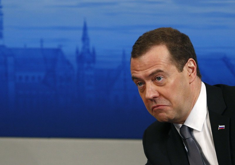 Телефон Дмитрия Медведева - чем пользуется премьер-министр страны